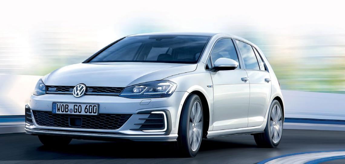 Golf GTE's five-mode, petrolelectric plugin hybrid powertrain provides energyefficient performance, plus midrange punch.