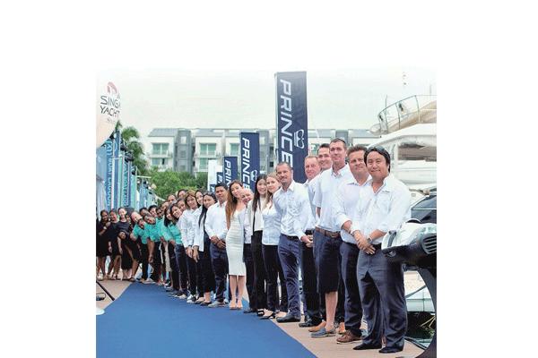<b>Top:</b>This year's Princess Yachts Rendezvous in Phuket. <b>Bottom:</b> The Boat Lagoon Yachting team, led by Managing Director Vrit Yongsakul (far right).