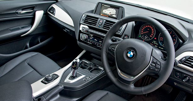 The cabin of the 1 Series is more or less unchanged, while its interior quality and on-board equipment haven't seen much improvement.