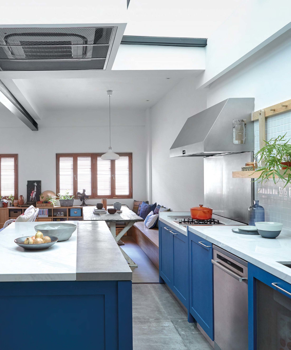 U201cWe Wanted Our Home To Exude A Natural And Rustic Look, With A Dash Of  Colour. We Love The Provencal Blue Often Seen Painted On Doors And Window  Shutters In ...
