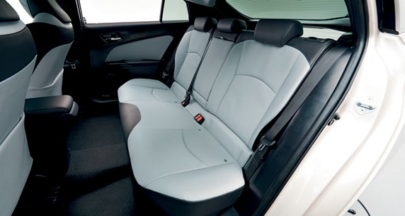Improved space and visibility for front occupants, and greater comfort for rear passengers despite the lowered roofline.