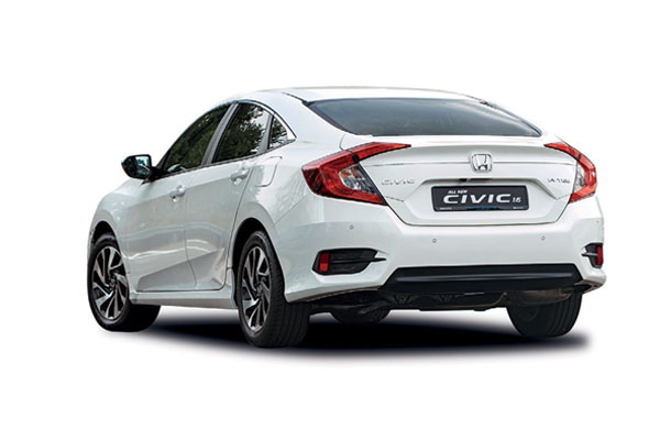 Boomerangshaped taillights add to the Civic's already  dynamic road presence.