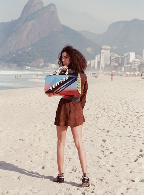 Luisana Gonzalez carries a Weekender bag in the latest print.