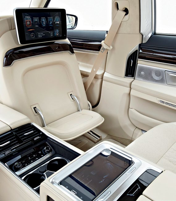 For businessmen who only travel in business class or first, the classy new 7 is German heaven.