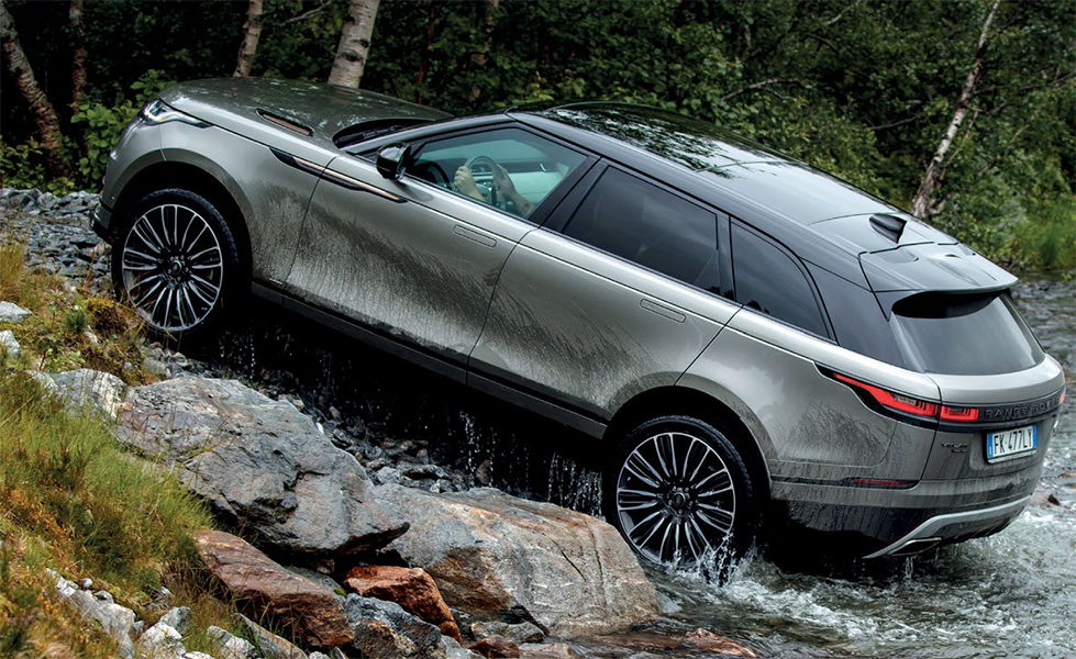 Velar is a sporty Rangie with confident handling and easy controllability, whether in Norway or over a roadway anywhere else.