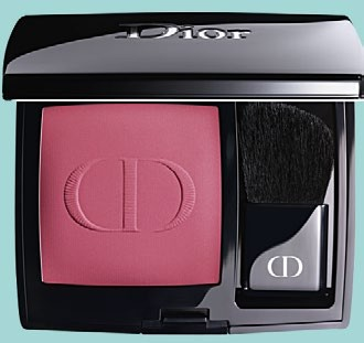 #962 Poison Matte, a pink-plum for a sharp and contoured look.