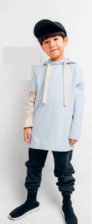 Two-tone hoodie, $55 from www.twopluso.com