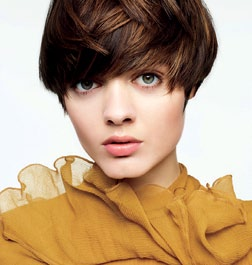 Varying shades of copper and brown give the appearance of thicker, fuller hair