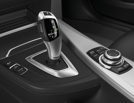 The eightspeed automatic transmission ensures silky smooth gear changes.