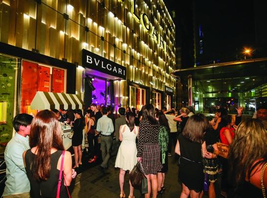 5. Bulgari fans in Hong Kong