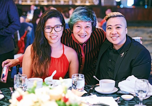 11. Former Her World Young Woman Achievers: Elim Chew (middle) with Yip Pin Xiu (left) and Theresa Goh (far right). Earlier in the evening, we toasted Pin Xiu's and Theresa's achievements at the Rio 2016 Paralympics.
