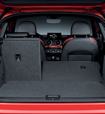The rear seats fold flat to increase boot space from 405 to 1050 liters.