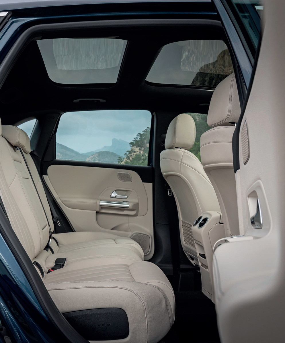The sliding rear seats have 14cm of travel, which can increase boot capacity by up to 50 percent.