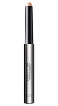 Burberry Beauty Fresh Glow Highlighting Luminous Pen in #01 Nude Radiance, $54.