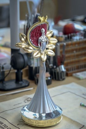 The Green Carpet Fashion Award statuette by Chopard